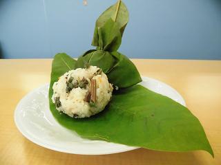 石川県「ホウ葉でくるんだ山菜おこわ」JA志賀 女性部 富来支部