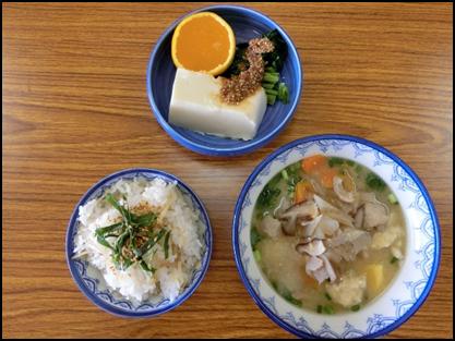 「つんきい(手でちぎるの方言)だご汁」と「ささゆき豆腐」(JAさが みどり地区女性部)