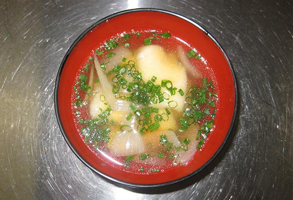 佐賀県「小麦粉で作る手作り麺のだご汁」JAさが白石地区女性部