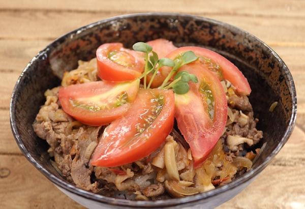岐阜県「飛騨牛のトマト丼」JAひだ女性連絡協議会