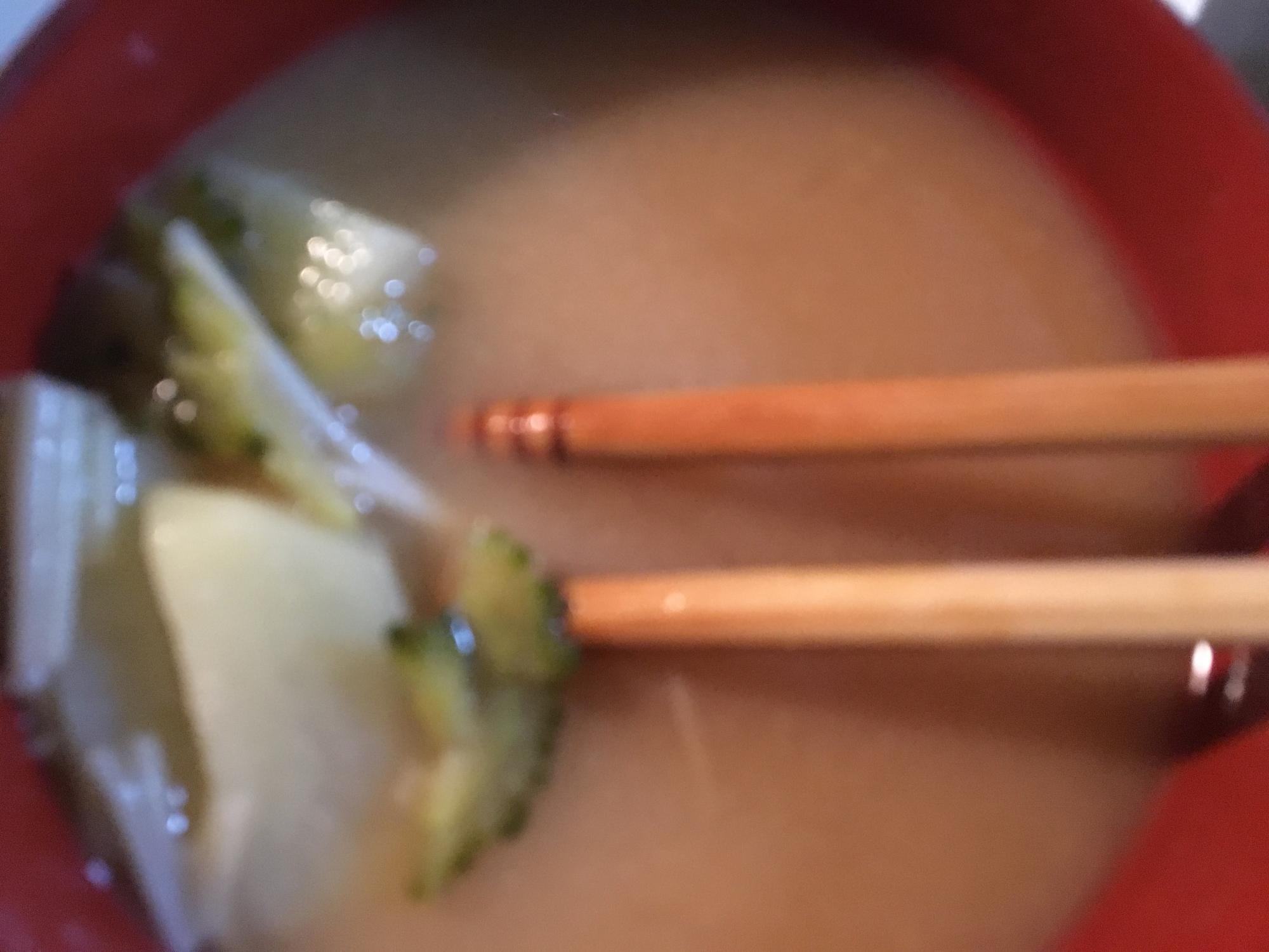ゴーヤとエノキとジャガイモの味噌汁