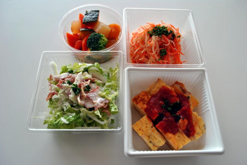 地元野菜たっぷりの手作りお惣菜